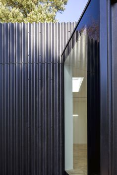 Built by SOUP architects in Aldeburgh, United Kingdom with date Images by Peter Cook. 'The Studios' are two new multi use studios built within a mature landscaped garden on an existing residential plot. Exterior Siding, Exterior Paint, Residential Architecture, Contemporary Architecture, House Architecture, Steel Cladding, Black Cladding, Studio Build, Garden Studio