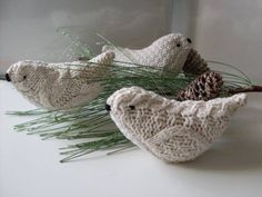 knitted birds. These would make cute Christmas tree ornaments