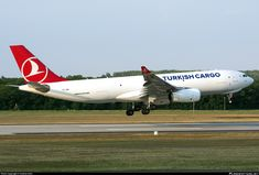 TC-JDR Turkish Airlines Airbus A330-243F