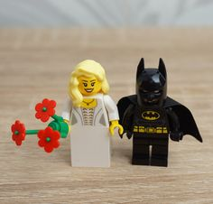 Lego Batman and Lego Bride,  Lego Batman Minifigure, Lego wedding cake topper, Lego Wedding, Wedding Lego, Lego minifigures, Batman