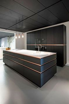 Create a pleasant cooking impression with a modern kitchen design that you can apply to your home. You will feel more fun cooking in this modern kitchen. Black Kitchen Cabinets, Black Kitchens, Luxury Kitchens, Cool Kitchens, Kitchen Walls, Kitchen Black, Dream Kitchens, Wood Cabinets, Colorful Kitchens