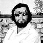 Essa é pra vc Tatiana Ribeiral - A biblioteca de Julio Cortázar    Livros, dedicatórias, anotações, bilhetes, recortes de jornal de um dos mais importantes escritores de todos os tempos, o argentino Julio Cortázar.