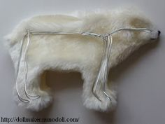 Polar Bear stuffie how to Stuffed Animal Patterns, Diy Stuffed Animals, Teddy Bear Clothes, Plushie Patterns, Plushies, Polar Bear, Dollhouse Miniatures, Throw Pillows, Crafty