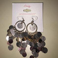 Icing Earrings Very cute earrings! Never worn! Huge bundle discount offered! Jewelry Earrings