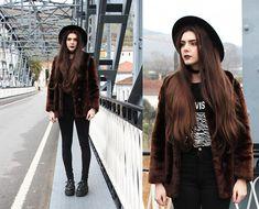 Vintage Fur Coat, Joy Division T Shirt, Stylegound Creepers