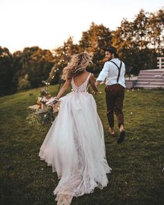 82 Stylish Groom Attire For Bohemian Wedding - 82 Stylish Groom Attire For Bohemian Wedding Wedding Goals, Wedding Pics, Wedding Couples, Boho Wedding, Dream Wedding, Wedding Day, Wedding Dresses, Wedding Shot, Wedding Ceremony