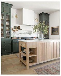 Green Kitchen Designs, Interior Design Kitchen, Kitchen Decor, Kitchen Ideas, Interior Modern, House Kitchen Design, Closed Kitchen Design, Kitchen Cabinet Interior, Ikea Interior