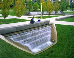 Landscape Architecture Green University of Cincinnati Hargreav Landscape Architecture is part of Landscape architecture design - Villa Architecture, Landscape Architecture Design, Landscape Architects, University Of Cincinnati, Water Walls, Traditional Landscape, Cool Landscapes, Urban Landscape, Irrigation