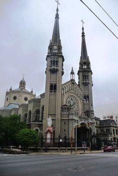Nuestra Señora de los Buenos Aires, Caballito, Ciudad de Buenos Aires. Avenida Gaona y Espinosa.