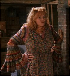 Molly Weasley crochet sleeves - pinned from http://wheatcarr.com/harry_potter/molly-weasleys-crochet-housecoat-sweater.php#
