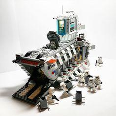 MOD Inspired by Lego Set 75103 Star Wars First Order Transporter Legos, Star Wars Vehicles, Lego Vehicles, Lego Custom Minifigures, Big Lego, Lego Sculptures, Micro Lego, Lego Army, Lego Ship