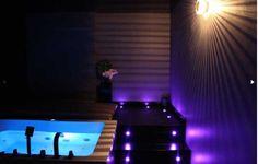 """""""Le Diamant noir"""" - L'appartement avec une ambiance chic et sensuelle.  bednspa.com"""