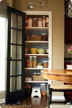 I love the pantry idea and I LOVE the pantry door! Pretty!!