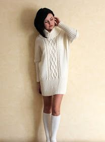 Nadire Atas on Knitted Designs This Pin was discovered by Оль Knitwear Fashion, Knit Fashion, Sweater Fashion, Knit Skirt, Knit Dress, Knitting Designs, Knitting Patterns, Big Knits, Fashion Moda