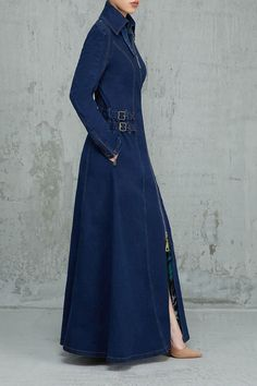 Denim style to the max! Denim Fashion, Fashion Pants, Hijab Fashion, Fashion Models, Fashion Dresses, Denim Maxi Dress, Denim Outfit, Jeans Dress, Mode Costume