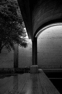 Louis Kahn - Kimbell Art Museum