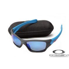 Oakley Pit Bull Sunglasses with Matte Black Frame/Ice Iridium Lens