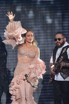 Jennifer Lopez Moves Selena Quintanilla Fans With Touching Tribute