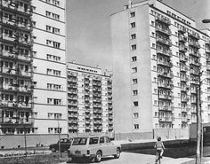 Wieżowce przy ulicy Grabieniec. 1970r. Architectural Photography, My Town, Architecture Design, Multi Story Building, Mid Century, Architecture Layout, Architecture Illustrations, Architecture