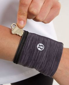 Reflective Key Cuff - great idea for running on the beach. I never know where to put my key. Workout Attire, Workout Wear, Running Workouts, Running Gear, I Love To Run, Lululemon Running, Running Accessories, Running On The Beach, Fitness Fashion