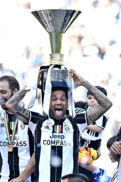 Juventus-Crotone Daniel Alves, Juventus Fc, Old Women, Grande, Football, Lady, Soccer, Pictures, Futbol