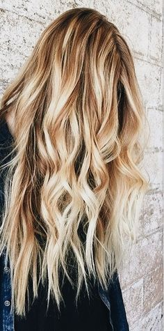 so pretty | long wavy blonde hair, hairstyle, hair inspiration, everyday, bayalage, balayage, easy, diy ideas, casual, minimalist, minimalism, minimal, simplistic, simple, modern, contemporary, classic, classy, chic, girly, fun, clean aesthetic, bright, pursue pretty, style, neutral color palette, inspiration, inspirational, diy ideas, fresh, stylish,