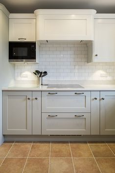 We discuss the versatile Shaker kitchen style with the experts at Planet Furniture, to discover how to achieve a traditional or contemporary design. Repainting Kitchen Cabinets, Shaker Style Kitchen Cabinets, Shaker Style Kitchens, Kitchen Cabinet Styles, Kitchen Furniture, Kitchen Decor, Kitchen Design, Kitchen Ideas, Home Comforts