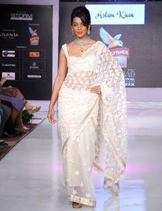 Mugdha Godse walks the ramp at Hyderabad International Fashion Week 2013 Day 01. #Fashion #Style #Bollywood #Beauty