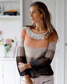 Der skal kun bruges 1 nøgle af hver farve til denne smukke bluse med rundt… Alter, Needlework, Knitwear, Knitting Patterns, Knit Crochet, Stripes, Pullover, Striped Sweaters, Inspiration