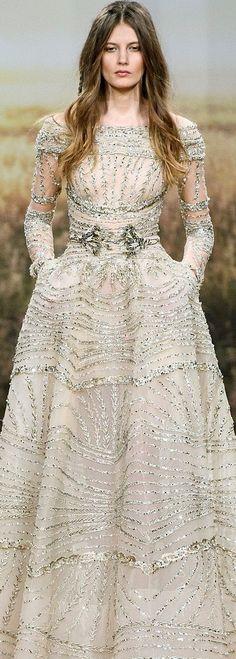 Ziad Nakad HC S/S '18. So gorgeous   More Fashion and style, trendy dresses: www.eva-darling.com  INSTAGRAM: @eva_phan