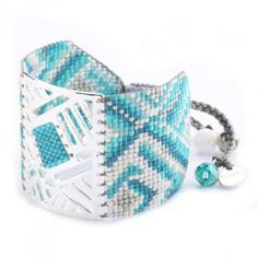 Bracelet manchette MISHKY ARLEQUIN ARGENT et TURQUOISE Peyote Patterns, Loom Bracelets, Loom Weaving, Brick Stitch, Beading Tutorials, Seed Beads, Beaded Jewelry, Coin Purse, Turquoise