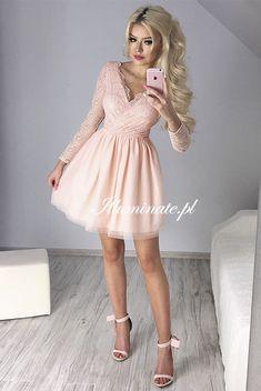 Bella brzoskwiniowa sukienka Pink Dresses, Little Dresses, Pretty Little Dress, Bella, Homecoming, Grunge, Dresses With Sleeves, Long Sleeve, Shirts