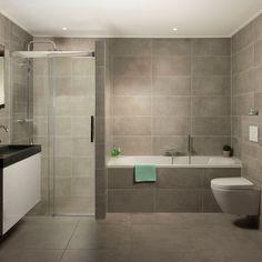 """Een complete en tijdloze badkamer én van alle gemakken voorzien. Kenmerkend door eenvoud, elegantie en luxe. The way of """"easy living"""". Bathroom Design Small, Bathroom Layout, Wet Rooms, Cool Rooms, Conception 3d, Japanese Soaking Tubs, Timeless Bathroom, Amsterdam Houses, Complete Bathrooms"""
