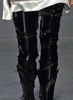 Balenciaga Spring 2007 - Black robot leggings. http://augustinewong.wordpress.com/2009/10/20/transformer/