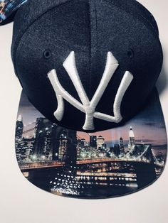 """Excited to share this item from my shop: New York Yankees """"Brooklyn Bridge"""" Snapback Yankees Gear, New York Yankees Baseball, New York Giants, Baseball Hats, Yankees Merchandise, Nba Hats, Emo Dresses, Party Dresses, Fashion Dresses"""