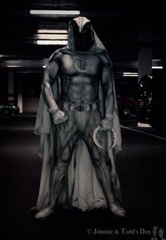 Moon Knight Cosplayed by Andy Jones, photographed by Johnnie & Todd's DenRead More: Best Cosplay Ever (This Week) 08.24.15 | http://comicsalliance.com/best-cosplay-ever-this-week-08-24-15/?trackback=tsmclip