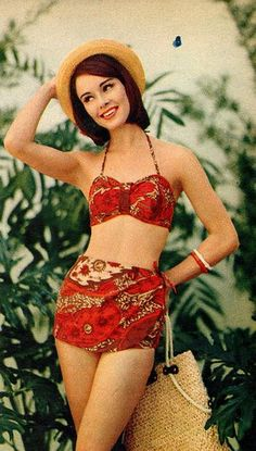 This 1960s vintage beach swimsuit is adorable!