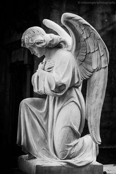 Angel Sculpture, Sculpture Art, Mary Magdalene And Jesus, Mago Tattoo, Gardian Angel, Greek Mythology Art, Statue Tattoo, Religious Tattoos, Angel Aesthetic