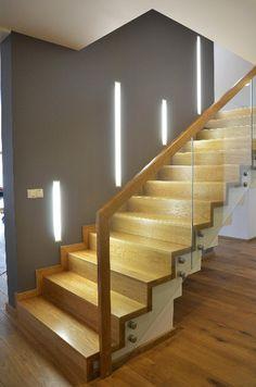 schody-na-beton-balustrada-szklana-2 Interior Staircase, Staircase Railings, Stairways, Stairway Lighting, Basement Lighting, Stairs New Design, House Design, Home Entrance Decor, Flooring For Stairs