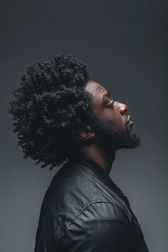 Men with natural afro hair Natural Hair Men, Pelo Natural, Natural Hair Styles, Au Natural, Natural Beauty, Black Men Hairstyles, Afro Hairstyles, Haircuts For Men, Pelo Afro