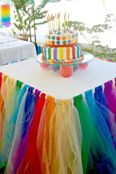Party Table Decorating Ideas: How to Make it Pop! – My Place to Yours Party Table Decorating Ideas: How to Make it Pop! Party Table Decorating Ideas: How to Make it Pop! Trolls Birthday Party, Troll Party, Rainbow Birthday Party, Unicorn Birthday, Unicorn Party, 1st Birthday Parties, Birthday Table, Birthday Ideas, Birthday Diy