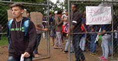 Pais e alunos ocupam escola em Mogi das Cruzes