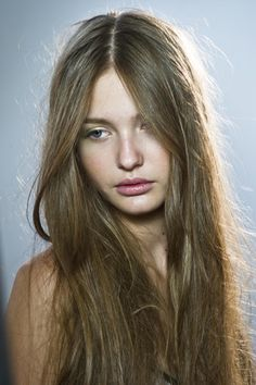 Color Layered hairstyles with bangs for medium length hair pictures 2 hair Hairstyles With Bangs, Straight Hairstyles, Cool Hairstyles, Quick Beauty Routine, Neutral Blonde, Hair Affair, Ginger Hair, Layered Hair, Hair Pictures