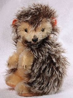 Steiff made a l lot of different hedgehogs, but this is my favourite one.