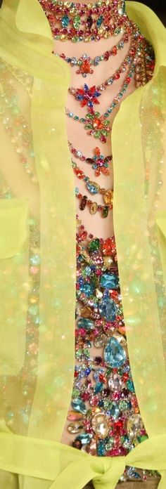 Essence of Fashion ~ Opulent Look ✦ Fashion  ✦ Accessorize ✦ Ralph Lauren ✦ https://www.pinterest.com/sclarkjordan/essence-of-fashion-~-opulent-look/