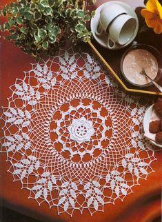 Crochet 'White Single Rose' doily - Free pattern and graph Crochet Potholders, Crochet Tablecloth, Crochet Doilies, Crochet Lace, Crotchet Patterns, Doily Patterns, Crochet Magazine, Table Toppers, Free Pattern