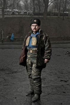 Portraits Of Kiev Citizen Protesters Who Stand Guard At The Capital - DesignTAXI.com