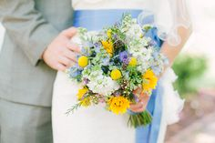 Jessica and Barry, Vintage Outdoor wedding, The Cragfont Home Gallatin TN/ wildflower bouquet