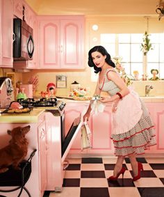 Dita Von Teese's retro style kitchen. Click on the image to see the rest of her glamour pad!