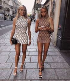 Girls with a slender figure rarely hesitate to wear dresses that only emphasise their dignity. Check 37 pictures of beautiful girls that like tight dresses. Sexy Outfits, Sexy Dresses, Summer Outfits, Short Dresses, Cute Outfits, Fashion Outfits, Womens Fashion, Skin Tight Dresses, Fashion Belts